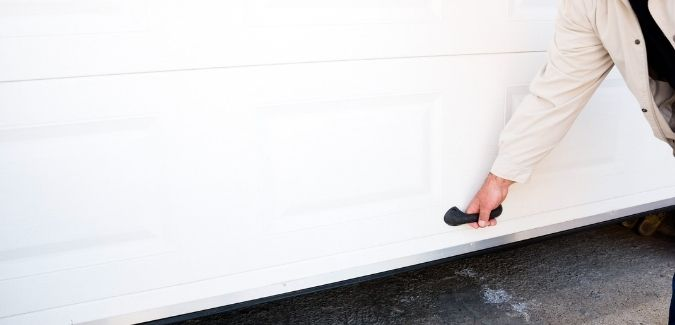 How to enhance the security of garage doors